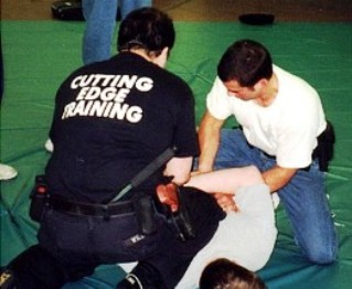 Tactical Arrest & Control Instructor: TRAIN-THE-TRAINER